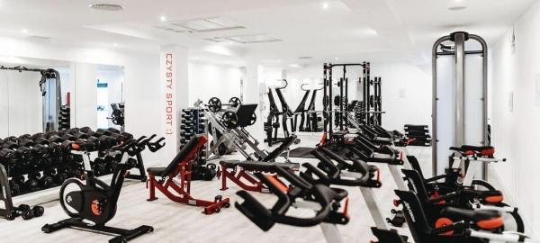 Dezynfekcja powierzchni w siłowni i na basenie